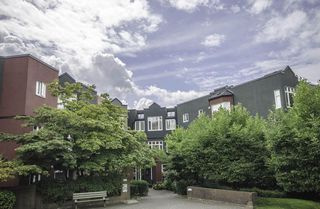 "Photo 2: 311 2800 CHESTERFIELD Avenue in North Vancouver: Upper Lonsdale Condo for sale in ""Somerset Green"" : MLS®# R2396551"