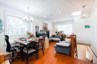 Photo 2: 2495 E 34TH Avenue in Vancouver: Collingwood VE House for sale (Vancouver East)  : MLS®# R2411989