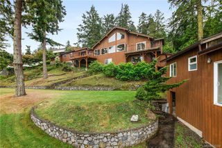 Photo 3: 7290 Mark Lane in Central Saanich: CS Willis Point Single Family Detached for sale : MLS®# 842269