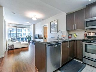 """Photo 5: 2305 892 CARNARVON Street in New Westminster: Downtown NW Condo for sale in """"Azure II"""" : MLS®# R2516429"""