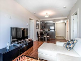 """Photo 7: 2305 892 CARNARVON Street in New Westminster: Downtown NW Condo for sale in """"Azure II"""" : MLS®# R2516429"""