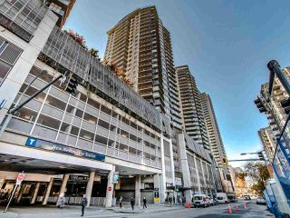 """Photo 1: 2305 892 CARNARVON Street in New Westminster: Downtown NW Condo for sale in """"Azure II"""" : MLS®# R2516429"""