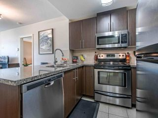 """Photo 4: 2305 892 CARNARVON Street in New Westminster: Downtown NW Condo for sale in """"Azure II"""" : MLS®# R2516429"""
