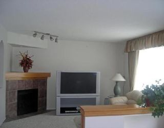 Photo 3: 43 AMBER TRAILS: Residential for sale (Canada)  : MLS®# 2802082