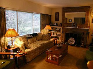 Photo 2: 4168 HIGHLAND Boulevard in North Vancouver: Forest Hills NV House for sale : MLS®# V996227