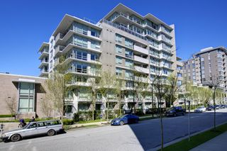 "Main Photo: 2370 PINE Street in Vancouver: Fairview VW Townhouse for sale in ""CAMERA"" (Vancouver West)  : MLS®# V1018860"
