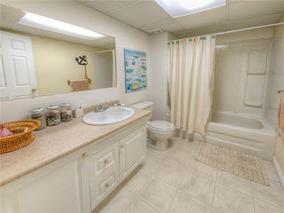 Photo 12: 18488 65A AV in Surrey: Cloverdale BC House for sale (Cloverdale)  : MLS®# F1410742