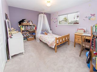Photo 8: 18488 65A AV in Surrey: Cloverdale BC House for sale (Cloverdale)  : MLS®# F1410742