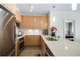 Photo 2: 907 2789 SHAUGHNESSY Street in PORT COQUITLAM: Central Pt Coquitlam Condo for sale (Port Coquitlam)