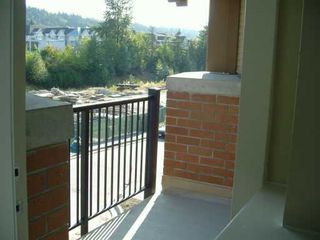 "Photo 7: 500 KLAHANIE Drive in Port Moody: Port Moody Centre Condo for sale in ""TIDES"" : MLS®# V608062"