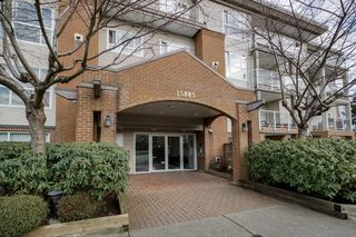 Photo 3: 402 15885 84 AVENUE in Surrey: Fleetwood Tynehead Condo for sale : MLS®# R2334169