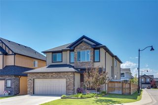 Photo 1: 83 ASPEN STONE Manor SW in Calgary: Aspen Woods Detached for sale : MLS®# C4259522