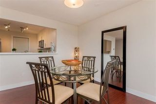 "Photo 5: 206 14957 THRIFT Avenue: White Rock Condo for sale in ""Whitecliffe"" (South Surrey White Rock)  : MLS®# R2412507"