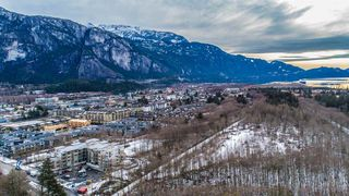 """Photo 8: 304 37881 CLEVELAND Avenue in Squamish: Downtown SQ Condo for sale in """"THE """"MAIN"""""""" : MLS®# R2421778"""