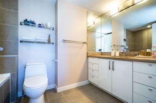 """Photo 14: 2904 2978 GLEN Drive in Coquitlam: North Coquitlam Condo for sale in """"GRAND CENTRAL ONE"""" : MLS®# R2435019"""