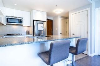 """Photo 9: 2904 2978 GLEN Drive in Coquitlam: North Coquitlam Condo for sale in """"GRAND CENTRAL ONE"""" : MLS®# R2435019"""
