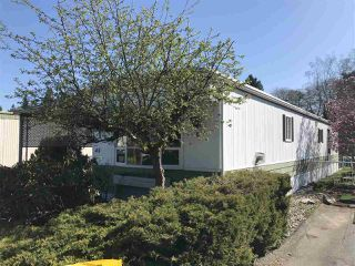 """Photo 2: 45 2270 196TH Street in Langley: Brookswood Langley Manufactured Home for sale in """"Pine Ridge Park"""" : MLS®# R2447689"""