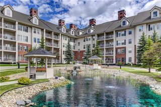 Photo 1: 2355 151 COUNTRY VILLAGE Road NE in Calgary: Country Hills Village Apartment for sale : MLS®# C4305451