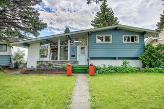 Photo 2: 88 Armstrong Crescent SE in Calgary: Acadia Detached for sale : MLS®# A1013056