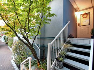 "Photo 20: 16 877 W 7TH Avenue in Vancouver: Fairview VW Townhouse for sale in ""THE EMERALD"" (Vancouver West)  : MLS®# V978833"