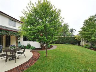 Photo 19: 1895 Hillcrest Avenue in VICTORIA: SE Gordon Head Single Family Detached for sale (Saanich East)  : MLS®# 323811