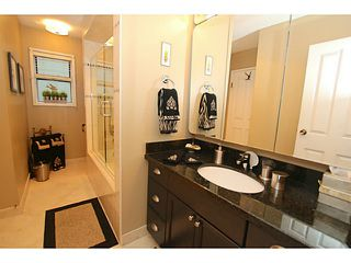 Photo 14: 138 HYTHE Avenue in Burnaby: Capitol Hill BN House for sale (Burnaby North)  : MLS®# V1077231
