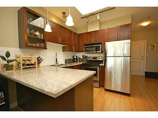 "Photo 3: PH7 688 E 17TH Avenue in Vancouver: Fraser VE Condo for sale in ""MONDELLA"" (Vancouver East)  : MLS®# V1077525"