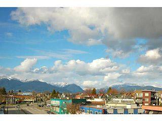 "Photo 2: PH7 688 E 17TH Avenue in Vancouver: Fraser VE Condo for sale in ""MONDELLA"" (Vancouver East)  : MLS®# V1077525"