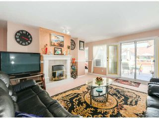 "Photo 3: 205 13725 72A Avenue in Surrey: East Newton Townhouse for sale in ""PARK PLACE ESTATES"" : MLS®# F1418923"