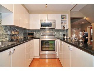 Photo 15: # 210 1166 MELVILLE ST in Vancouver: Coal Harbour Condo for sale (Vancouver West)  : MLS®# V1077124
