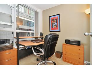 Photo 10: # 210 1166 MELVILLE ST in Vancouver: Coal Harbour Condo for sale (Vancouver West)  : MLS®# V1077124