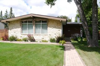 Photo 1: 47 Fordham Bay in Winnipeg: Fort Richmond Single Family Detached for sale (South Winnipeg)  : MLS®# 1519940