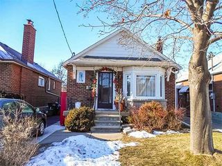 Photo 1: 8 Southridge Ave in Toronto: Danforth Village-East York Freehold for sale (Toronto E03)  : MLS®# E3683506