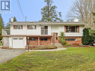 Photo 1: 9252 West Saanich Road in North Saanich: House for sale : MLS®# 375505