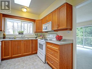 Photo 6: 9252 West Saanich Road in North Saanich: House for sale : MLS®# 375505