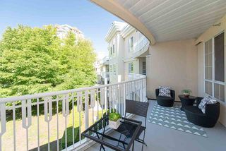 Photo 2: 306 5835 HAMPTON PLACE in Vancouver: University VW Condo for sale (Vancouver West)  : MLS®# R2291609