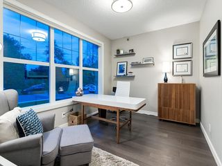 Photo 3: 3431 KERRY PARK Road SW in Calgary: Killarney/Glengarry Semi Detached for sale : MLS®# C4292177