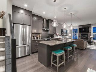 Photo 5: 3431 KERRY PARK Road SW in Calgary: Killarney/Glengarry Semi Detached for sale : MLS®# C4292177