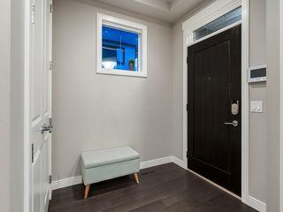 Photo 2: 3431 KERRY PARK Road SW in Calgary: Killarney/Glengarry Semi Detached for sale : MLS®# C4292177