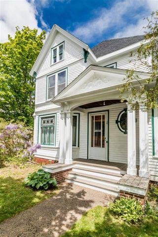 Photo 3: 20 Acadia Street in Wolfville: 404-Kings County Commercial for sale (Annapolis Valley)  : MLS®# 202011702
