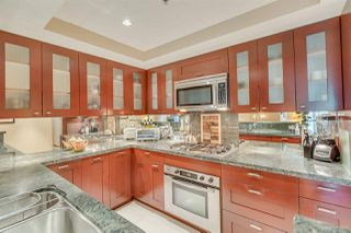 """Photo 4: 301 590 NICOLA Street in Vancouver: Coal Harbour Condo for sale in """"WATERFRONT PLACE"""" (Vancouver West)  : MLS®# R2492505"""
