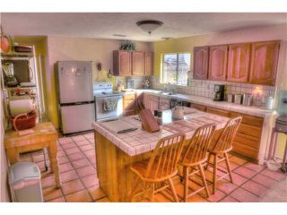 Photo 8: RAMONA House for sale : 3 bedrooms : 821 Etcheverry Street
