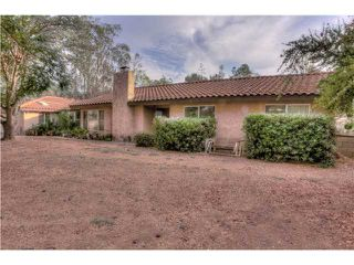 Photo 2: RAMONA House for sale : 3 bedrooms : 821 Etcheverry Street