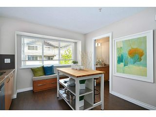 "Photo 2: 14 1268 RIVERSIDE Drive in Port Coquitlam: Riverwood Townhouse for sale in ""SOMERSTON LANE"" : MLS®# V1012726"