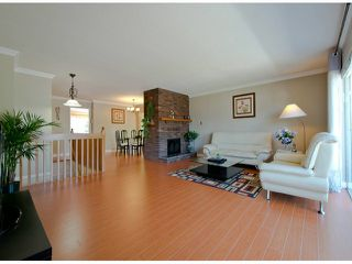Photo 3: 10247 156A Street in Surrey: Guildford House for sale (North Surrey)  : MLS®# F1315492