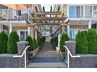 "Photo 3: 405 1661 FRASER Avenue in Port Coquitlam: Glenwood PQ Townhouse for sale in ""BRIMLEY MEWS"" : MLS®# V1081063"