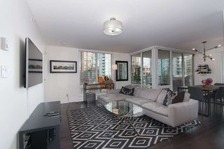 Photo 3: 704 535 SMITHE STREET in Vancouver: Downtown VW Condo for sale (Vancouver West)  : MLS®# R2048097