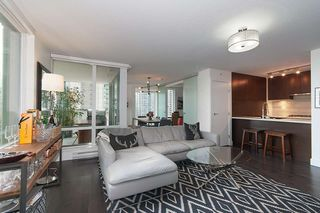 Photo 4: 704 535 SMITHE STREET in Vancouver: Downtown VW Condo for sale (Vancouver West)  : MLS®# R2048097