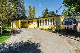 Photo 2: 7902 BURDOCK STREET in Mission: Mission BC House for sale : MLS®# R2074946