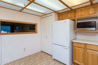 Photo 10: 209 1150 54A STREET in Delta: Tsawwassen Central Condo for sale (Tsawwassen)  : MLS®# R2215445